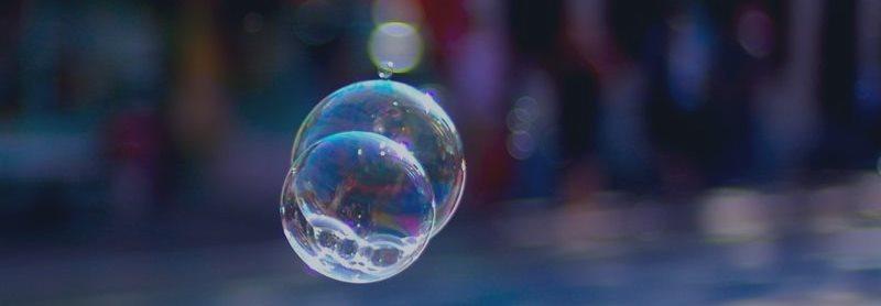 Похоже, в Америке уже два пузыря: пузырь акций и пузырь облигаций?