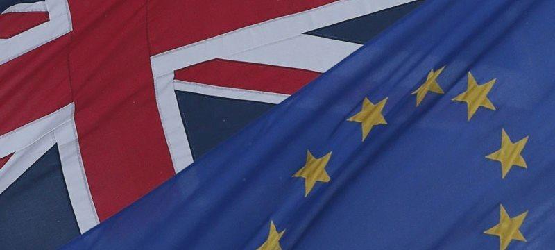 В Великобритании официально объявили о референдуме по выходу из ЕС, фунт упал