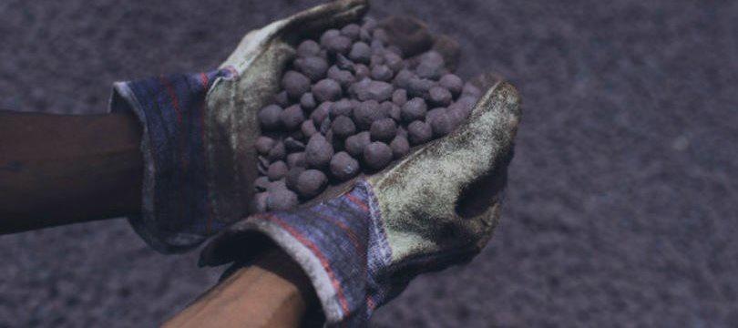 Preço do minério de ferro sobe com queda de estoques na China