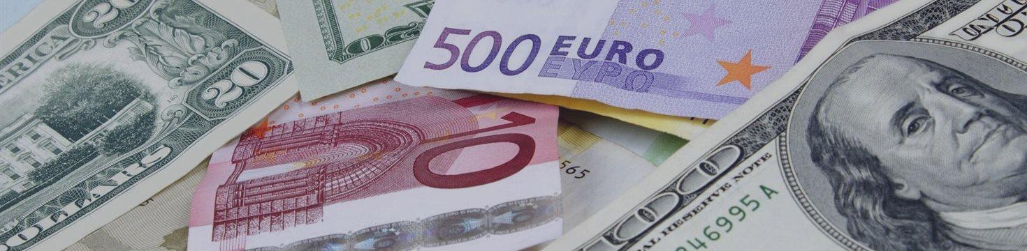 Доллар сдал позиции на азиатских и европейских торгах в среду