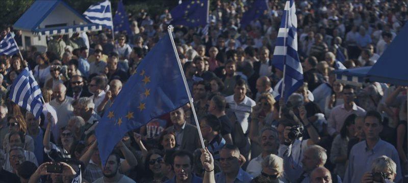 """Referendo na Grécia trava acordo e põe zona euro a falar em """"plano B"""""""
