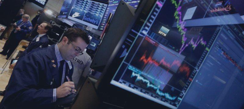 Wall Street cerró mixto y mantiene sus ojos en Grecia