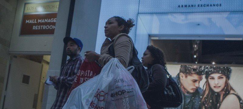 Débiles ventas minoristas en EEUU insinúan un crecimiento económico más lento