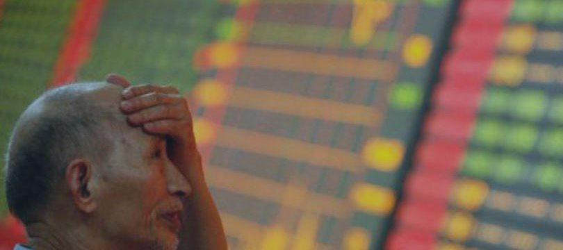 Bolsas chinesas têm forte queda com dúvidas sobre estímulos