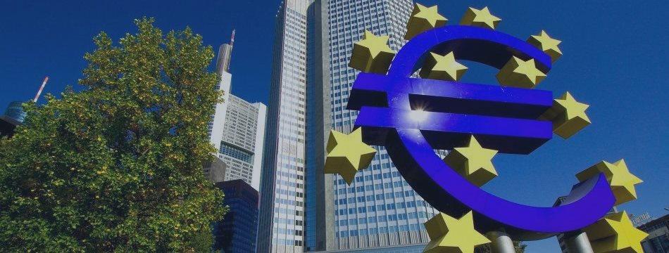 Греция бросает тень на ЕЦБ перед июльским заседанием. Справится ли Супер Марио?