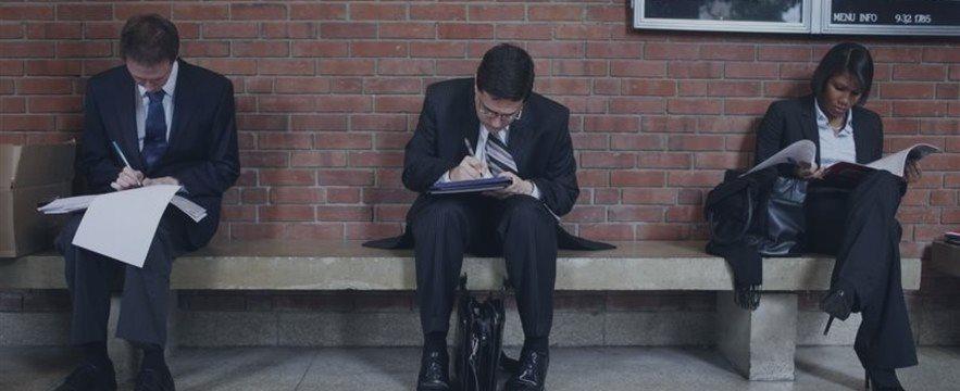 Безработица в США впервые за месяц снизилась