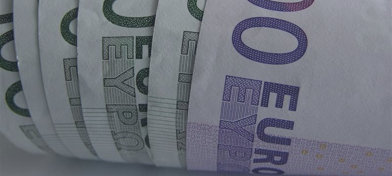 Индексы Европы в четверг снизились на фоне слабых отчетов компаний