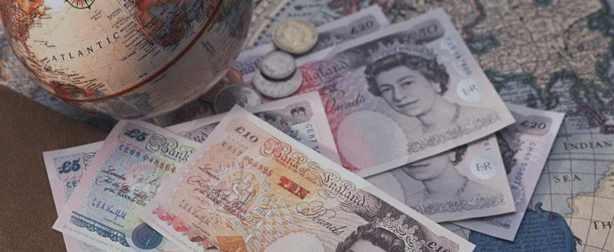 如何基于英国零售交易英镑