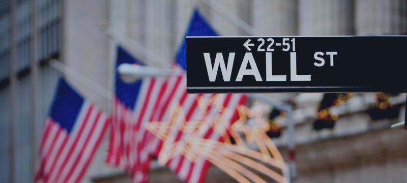 Американские фондовые индикаторы выросли вчера на 4-4,2%
