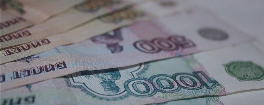 Курс рубля растет, несмотря на падение цен на нефть. Рынки ждут важных новостей