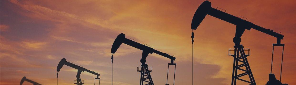 Нефть снова дешевеет на фоне азиатской статистики и бразильского рейтинга