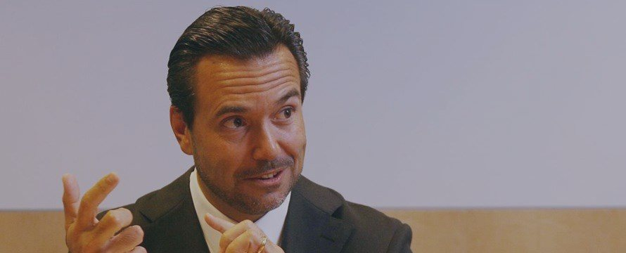 Governo britânico pretende vender acções do Lloyds no retalho