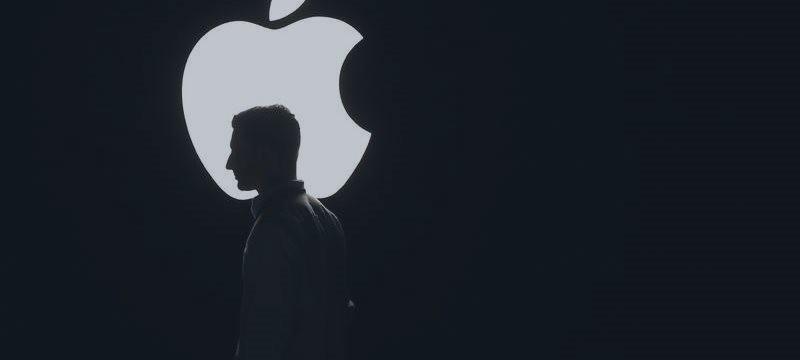 """Apple quiere mejorar el desempeño de su asistente """"Siri"""""""