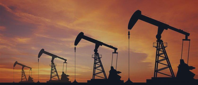 Нефть выросла на американских торгах, но снова снижается
