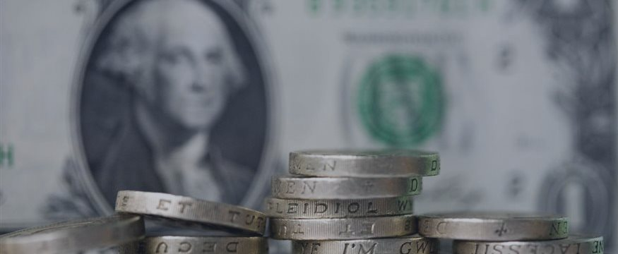 Dollar drops vs rivals, Bank of Japan meeting on tap