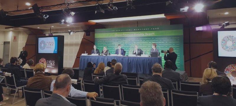 FMI alerta sobre tres riesgos principales para los bancos latinoamericanos