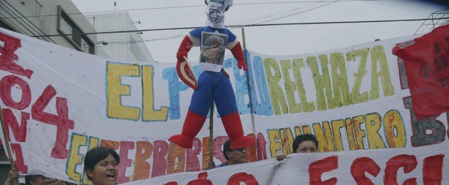 Perú: Miles marchan contra el FMI