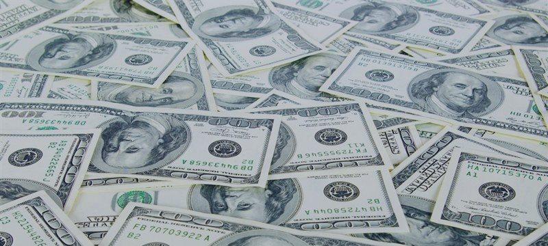 Доллар  на трехнедельных минимумах из-за сомнений по поводу ФРС