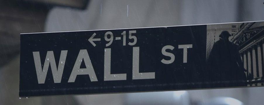 Wall St sobe mais de 1%, com setores financeiro e de saúde liderando os ganhos