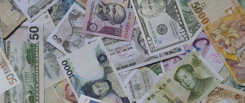 持续贬值?BIS:9月人民币实际&名义有效汇率延续回落势头
