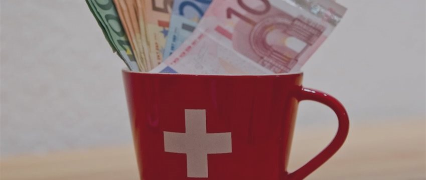 Como bancos de luxo na Suíça atraem milionários (e identificam dinheiro suspeito)