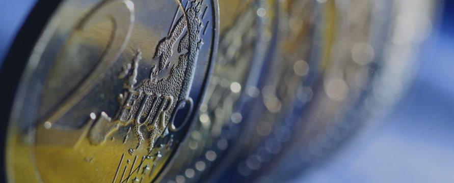 Европейские индексы снижаются на слабой корпоративной отчетности