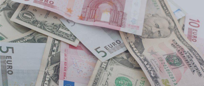 Доллар вблизи 3-месячного максимума, евро опускался до 4-месячного минимума