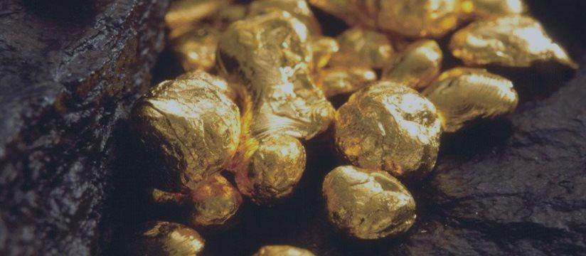 Золото показывает худшую неделю с июля