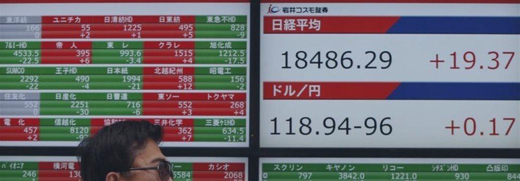 前場の日経平均は412円高、約2カ月半ぶりに1万9600円回復