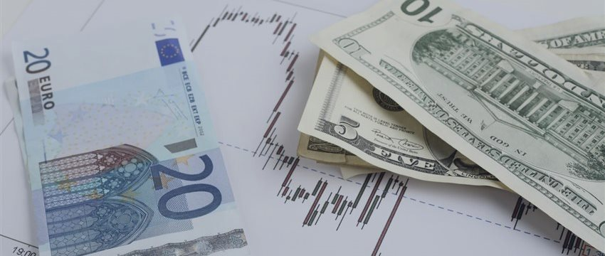 Technical Overview: Will EUR/USD Break 1.0461 Support?