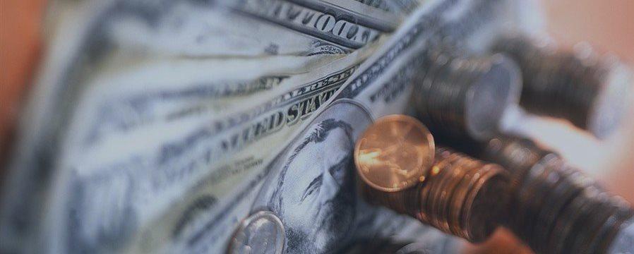 Analistas prevén que las primas de Wall Street bajen por primera vez en 4 años