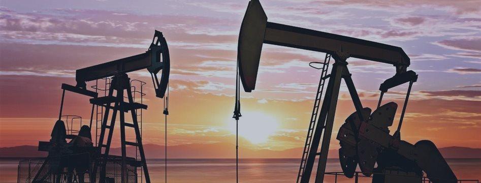 Нефтяные цены упали ниже $42 за баррель на данных о запасах