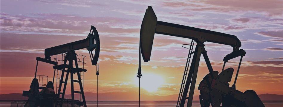 Цена на нефть в среду остается под давлением