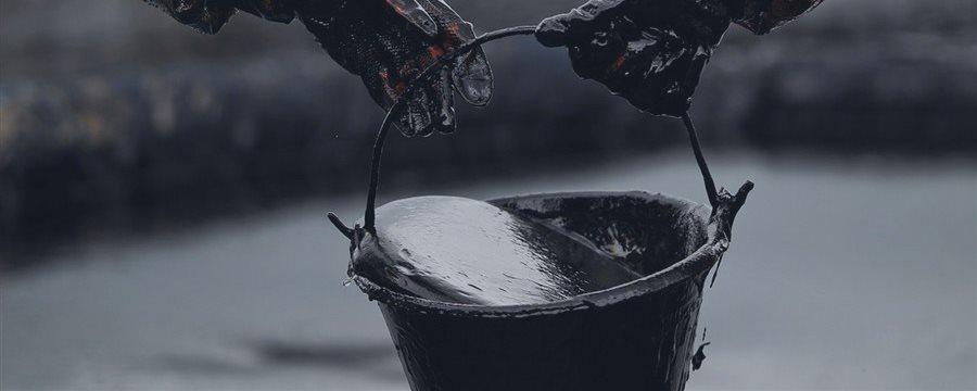 NY原油(18日):一時40ドル割れ-米在庫が記録的水準に増加