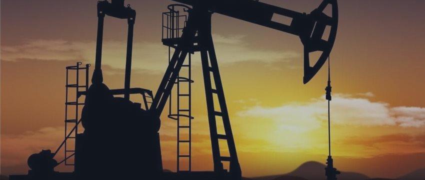 Цены на нефть слабо поднимаются в четверг - избыток предложения все еще мешает росту
