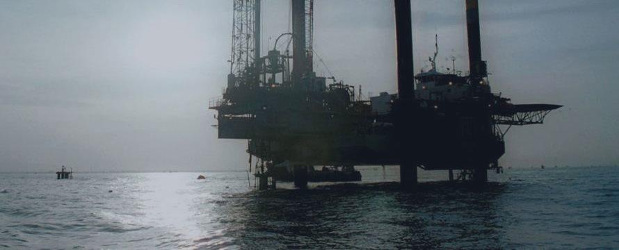 Petróleo volta aos ganhos após Arábia Saudita garantir cooperação para estabilizar preços