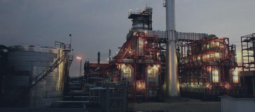 Petróleo frena las caídas y se impulsa al alza ante comentarios de Arabia Saudita.