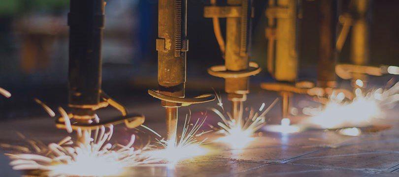 PMI da indústria dos EUA cai à mínima em 25 meses