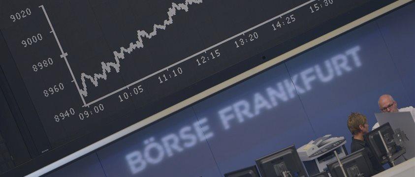 Европейские фондовые индексы снизились в пятницу