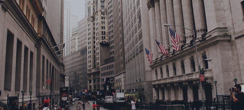 Wall Street opera a la baja