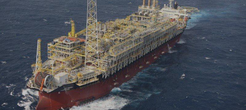 Produção de petróleo cresce em outubro