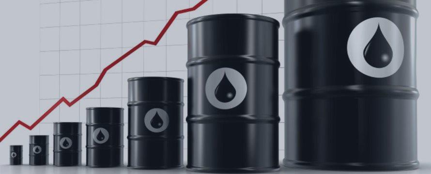Нефть растет благодаря ослаблению доллара