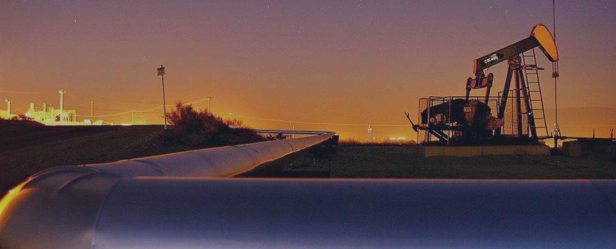 中国の石油輸入は驚きとして原油価格が近い7年ぶりの安値から上昇へ