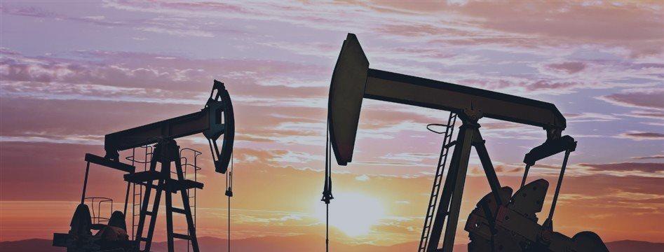 Нефть восстанавливается на азиатской статистике и падении американских запасов