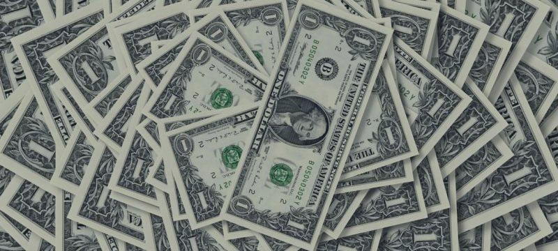 Доллар укрепляется в ожидании итогов заседания ФРС