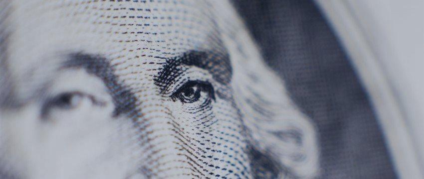 USD/CHF: пара резко снизилась на двух событиях