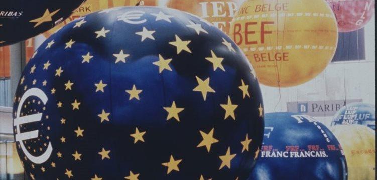 Bolsas europeas abren a la baja; Rio Tinto sube