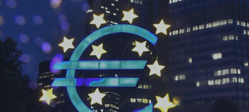 Euro Declines Ahead of ECB Meeting