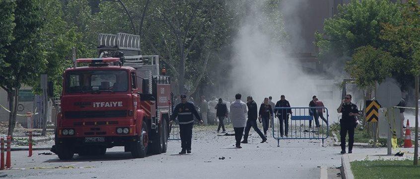 Взрыв на востоке Турции унес три жизни, 100 человек пострадали - источники