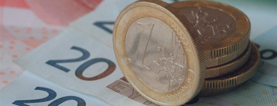 Евро рухнул до минимума с августа прошлого года